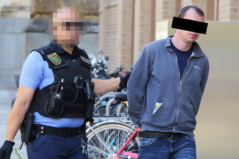 Martin M. (34) musste von der Polizei zum Richter gebracht werden. Für einen Prozess war er allerdings zu betrunken.
