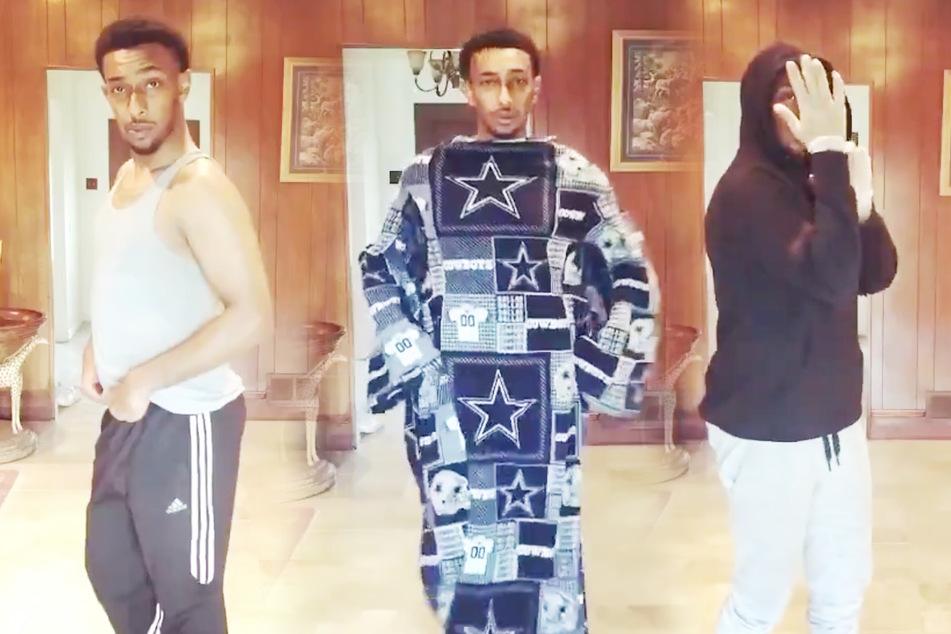 Typ präsentiert aktuelle Quarantäne-Outfits und geht viral