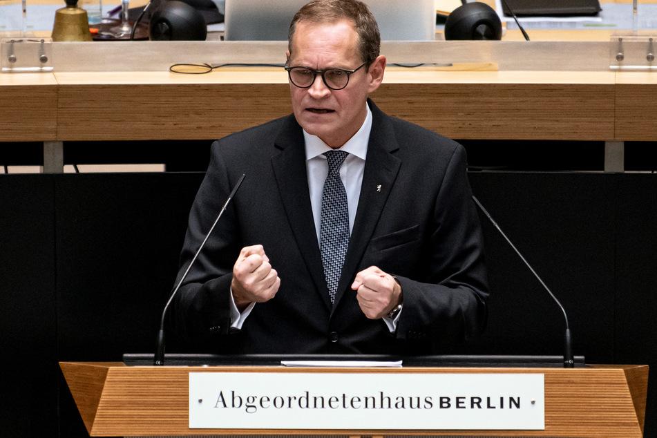 Auch Berlins Regierender Bürgermeister Michael Müller (SPD) will sich über die Versorgung der Corona-Patienten informieren.