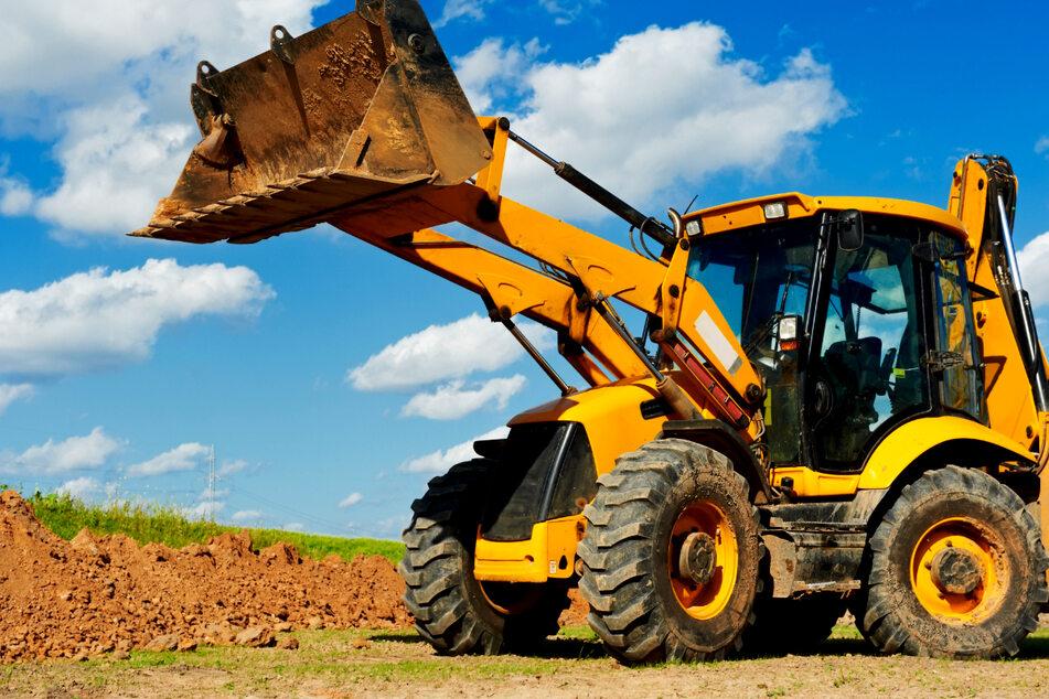 Tödlicher Arbeitsunfall! 39-Jähriger von Radlader-Schaufel erschlagen