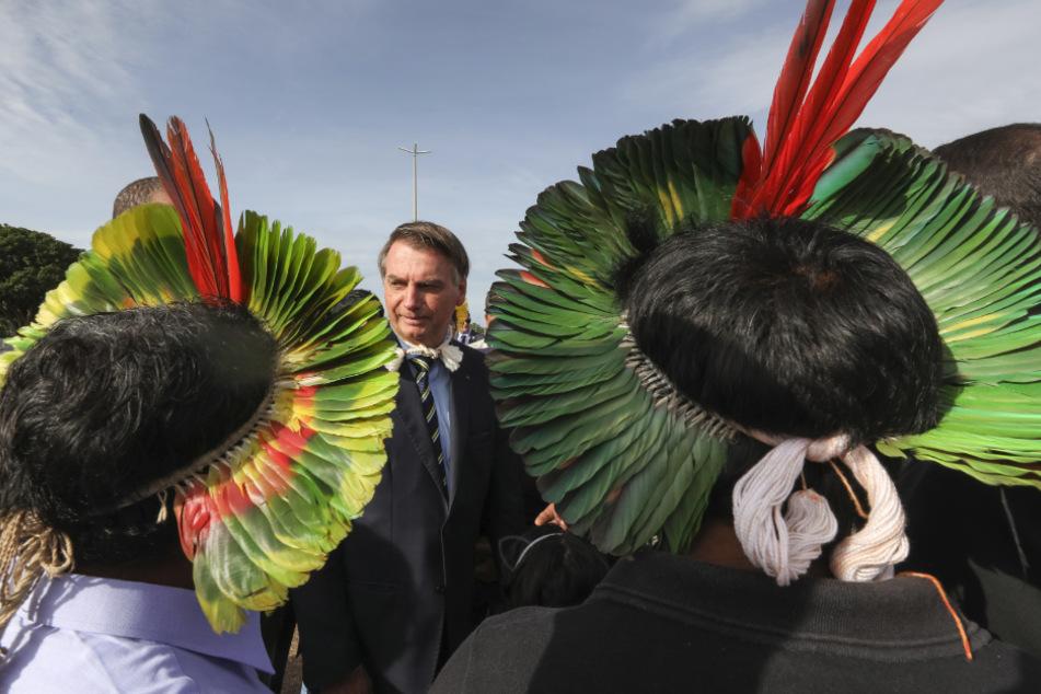 Jair Bolsonaro (65), Präsident von Brasilien, sprach Mitte Februar mit Mitgliedern einer indigenen Gemeinschaft.