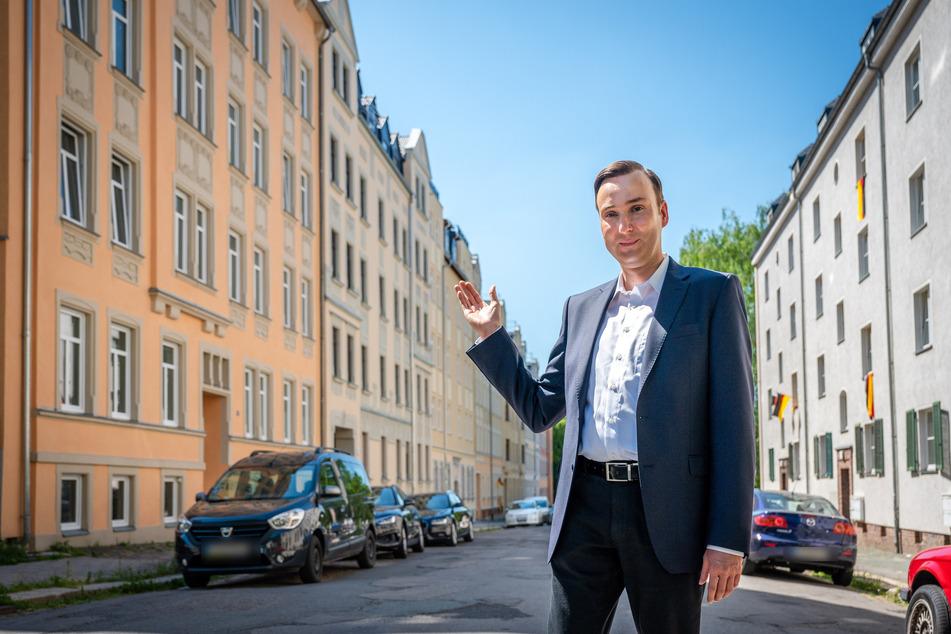 Stadthistoriker Sandro Schmalfuß (43) konnte Investoren für die Sebastian-Bach-Straße begeistern.
