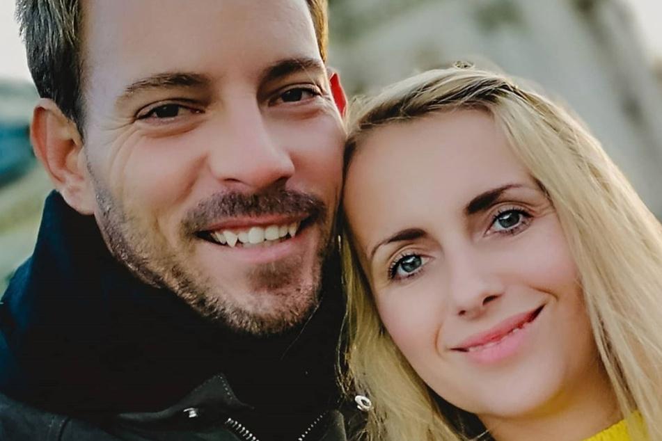 Fremde Frau schickt Anna Fotos: RTL-Hottie Gerald bei Dating-App angemeldet?