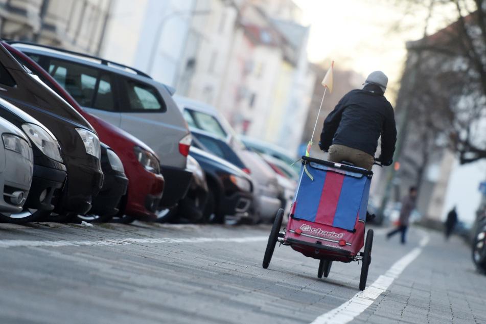 Vielerorts sind die Fahrradwege in München einfach zu eng. (Symbolbild)