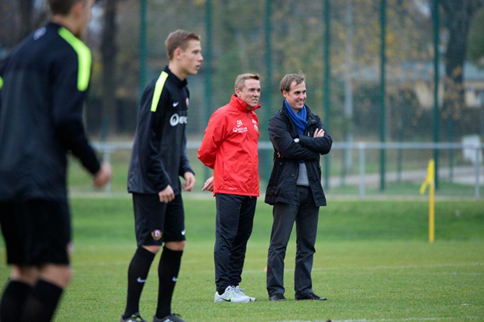 Von 2012 bis 2014 war Marcus Jahn (r., hier mit Coach Olaf Janßen) im Nachwuchs von Dynamo Dresden tätig.