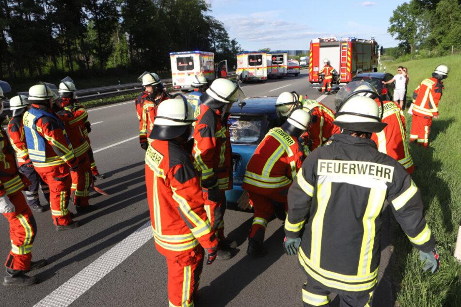 Brautpaar bei Unfall auf A1 nahe Hamburg verletzt