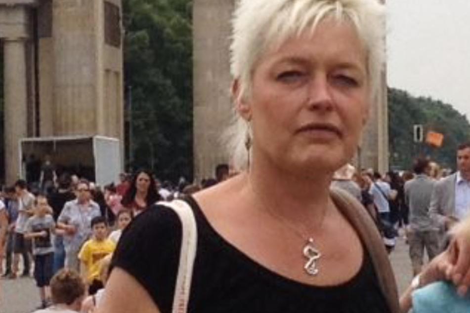 Barfuß unterwegs? Polizei in Wiesbaden sucht 48-Jährige