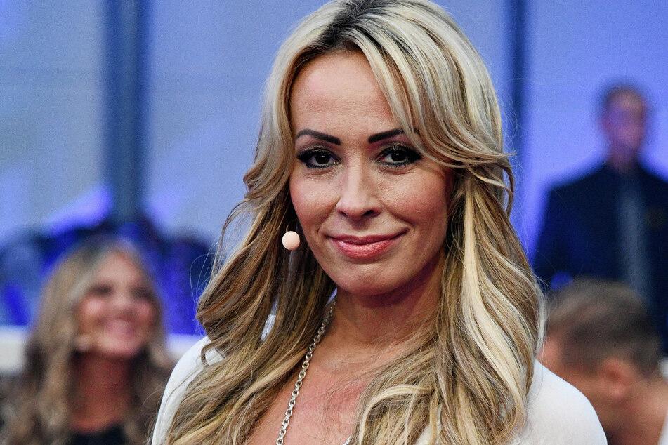 Cora Schumacher (43) ist wieder Single. Anfang Oktober hatte sie sich erst im großen Finale für BB-Denny entschieden.