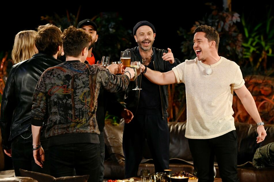 "LEA, Max Giesinger, Michael Patrick Kelly, MoTrip, Jan Plewka, Nico Santos bei ""Sing meinen Song""."
