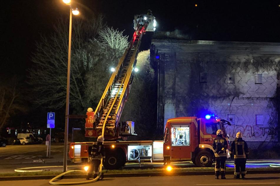 Feuer an Weltkriegs-Bunker: Fassade brannte lichterloh