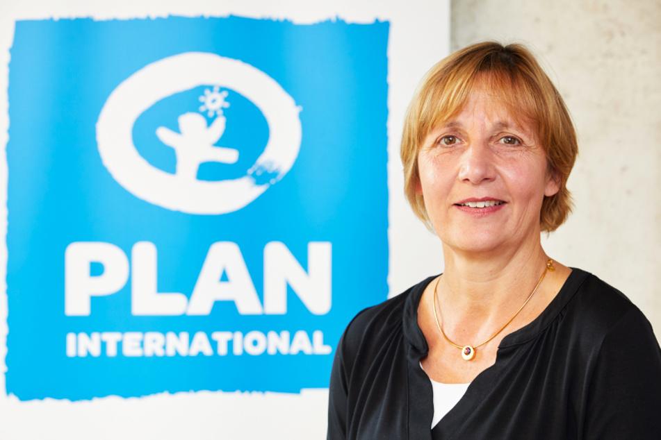 Maike Röttger, Geschäftsführerin von Plan International, fordert eine weltweit gerechte Verteilung von Impfstoffen.