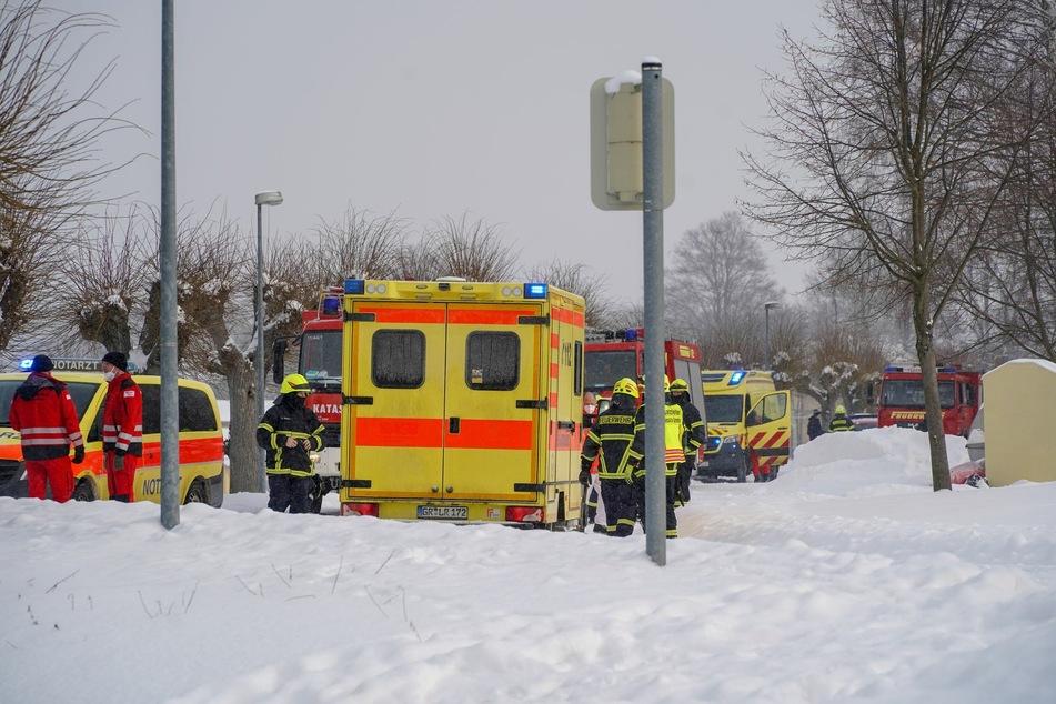 Die beiden Verletzten wurden noch vor Ort von Rettungskräften behandelt.