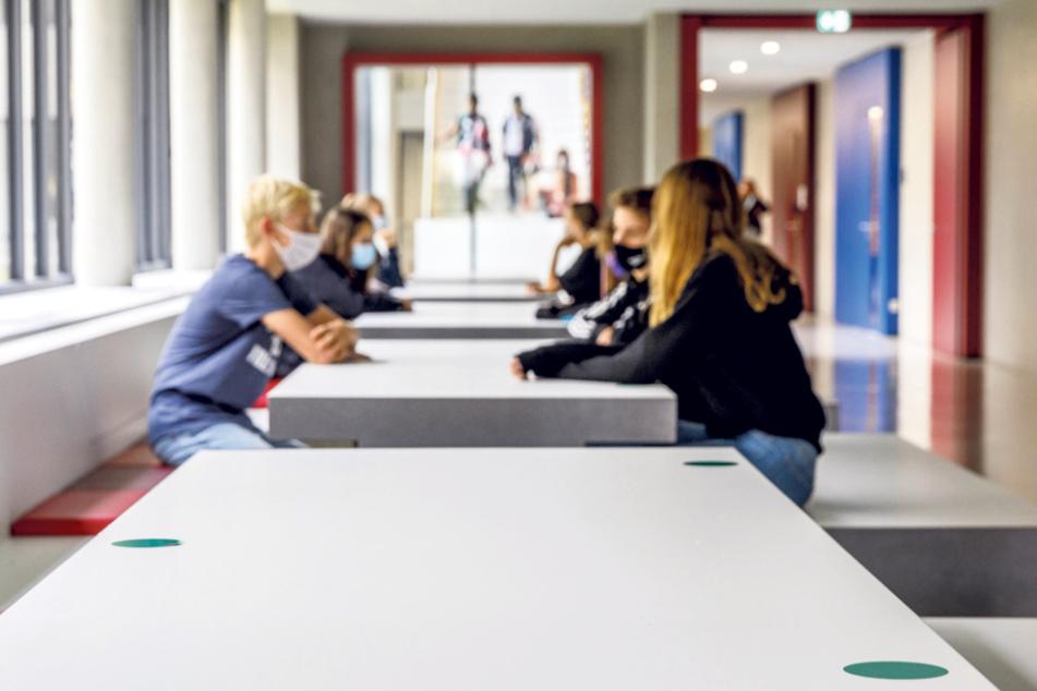 Die grünen Punkte signalisieren den Schülern: Hier könnt Ihr Euch hinsetzen.