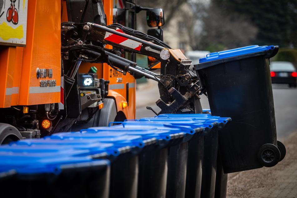 Sachsen erstickt im Papiermüll: Politiker fordert Altpapiercontainer-Abzug
