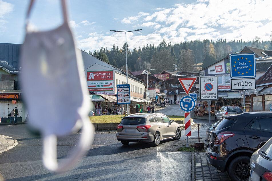 Der Grenzübergang in Johanngeorgenstadt: Einige fahren trotz Reiseverbot nach Tschechien (Archivbild).