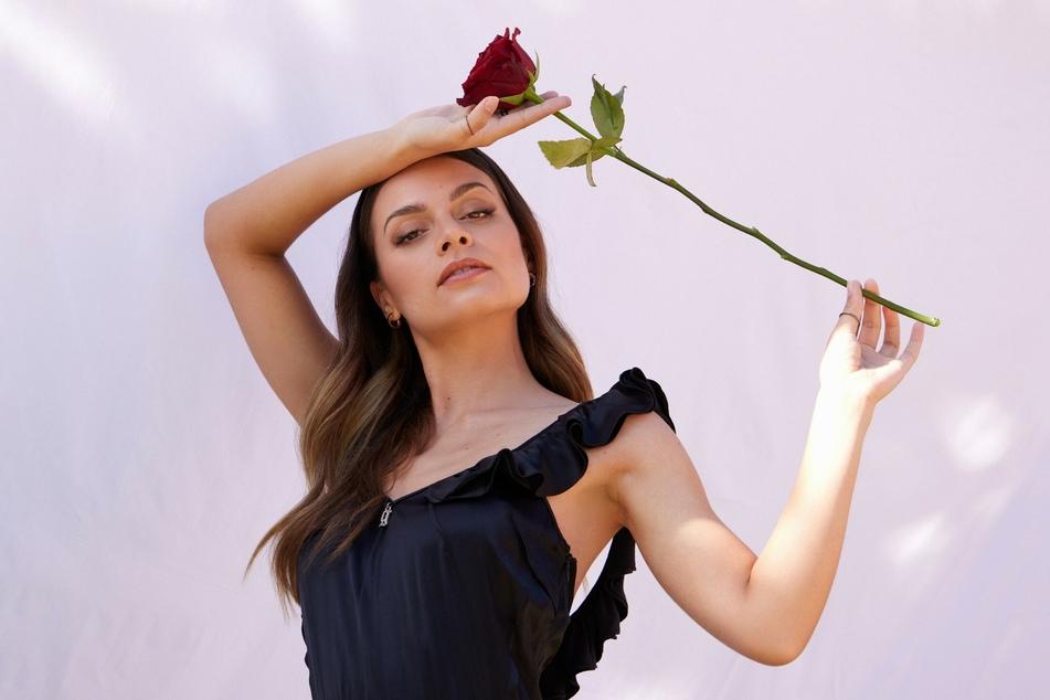 """""""Bachelorette"""" Maxime Herbord (26) hat im großen Finale ihre letzte Rose vergeben."""