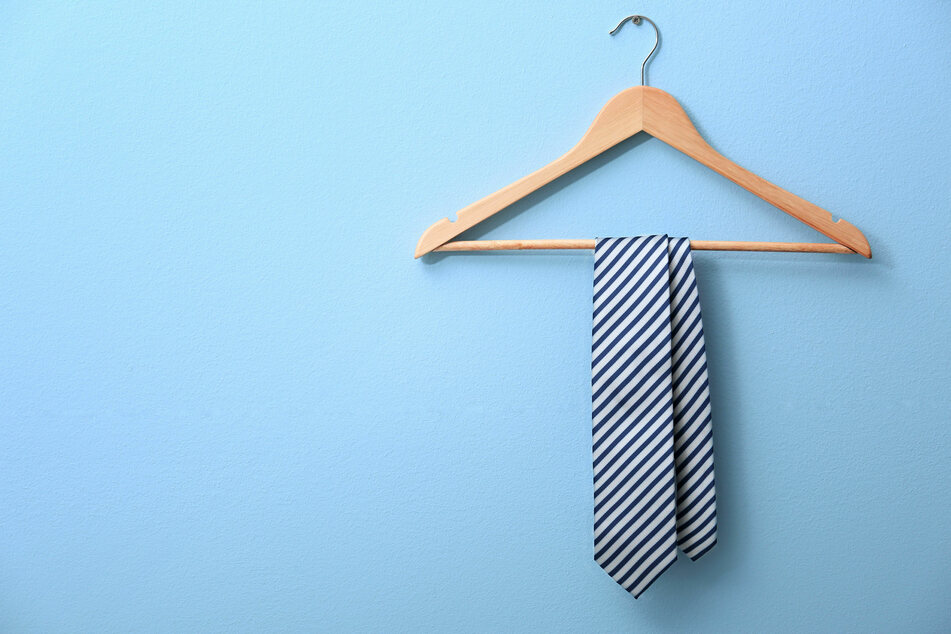 Die Krawatte bleibt derzeit eher im Schrank hängen.