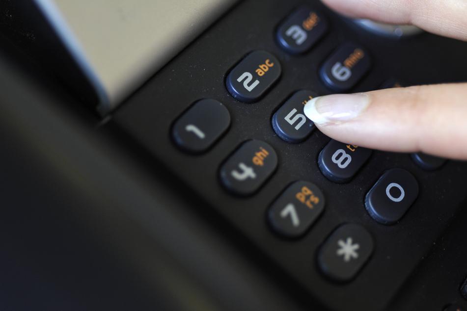 Telefonterror bei der Polizei: 29-Jährige muss blechen
