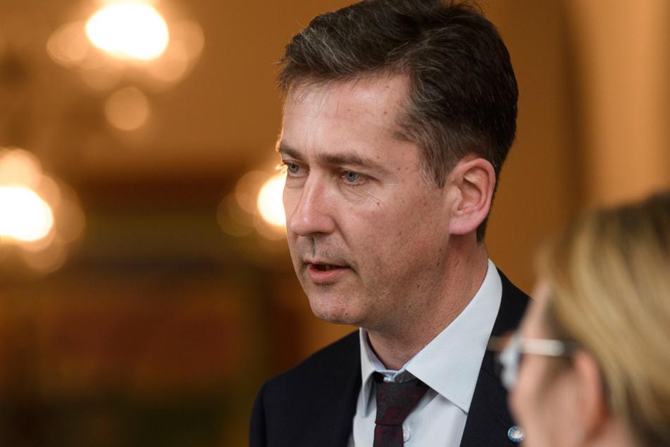 Würzburgs Oberbürgermeister Christian Schuchardt hatte sogar bei der Bundeswehr um Hilfe gebeten. (Archivbild)