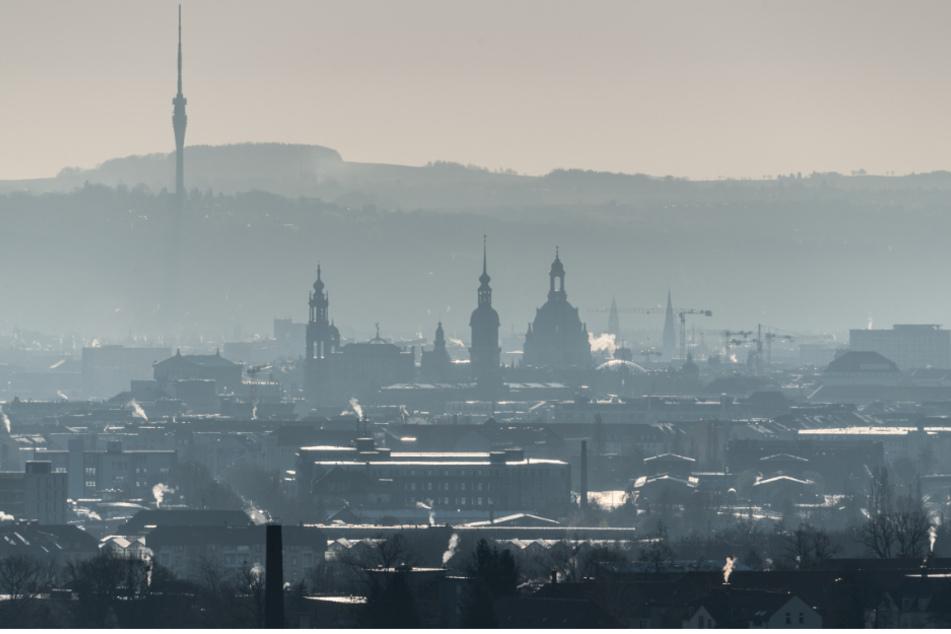 Frühmorgendlicher Nebel über Dresden.