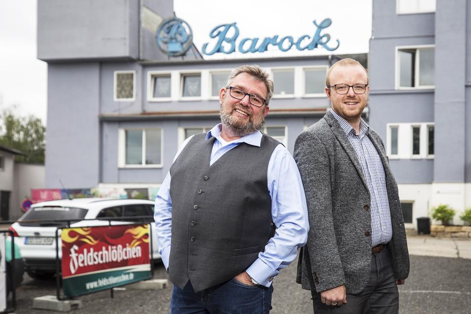 """Die beiden Dresdner Unternehmer Torsten Meisel (55, l.) und Benjamin Venter (29) wollen das Areal in Kaditz zum """"Barock-Eventpark"""" weiter ausbauen."""