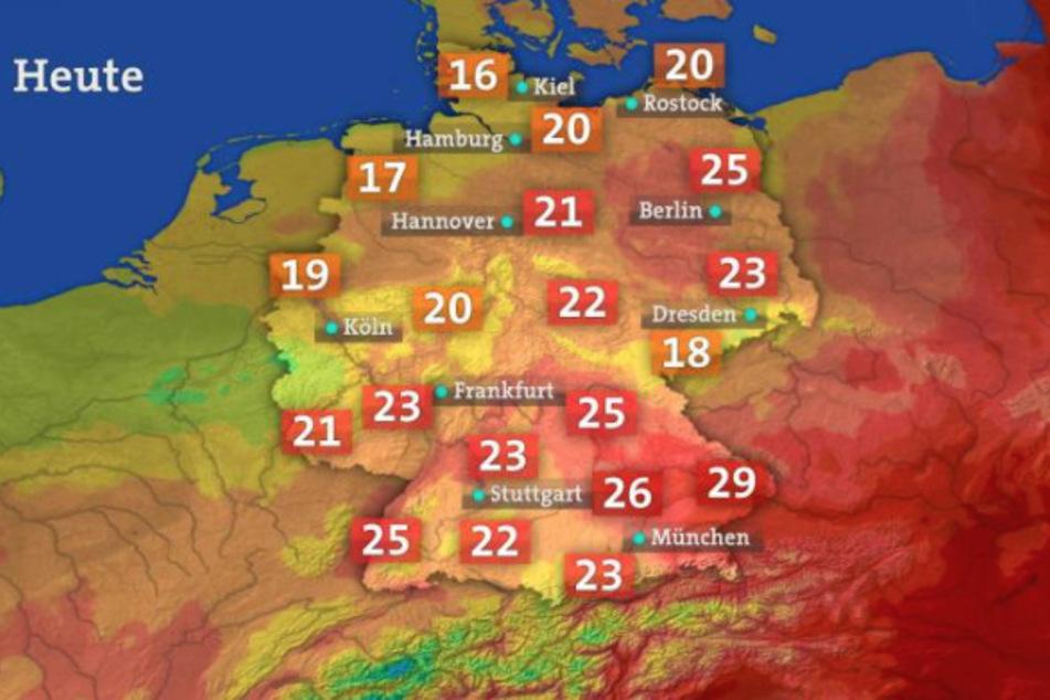 Silke Hansen, Leiterin des ARD-Wetterkompetenzzentrums: Die Farbskalen für die Untermalung der Temperaturen werden in regelmäßigen Abständen je nach Jahreszeit und Temperaturen angepasst.