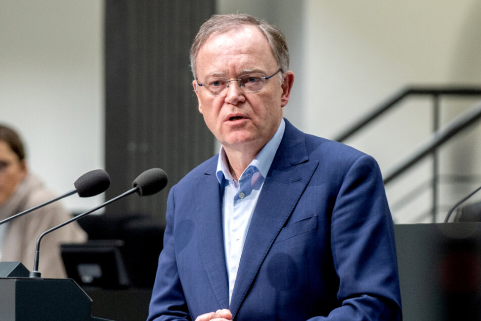 Niedersachsens MP Weil (61, SPD).