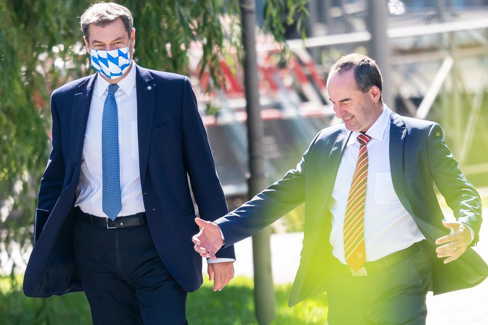Markus Söder (54, CSU) und Hubert Aiwanger (50, FW) arbeiten in Bayern bereits eng zusammen.