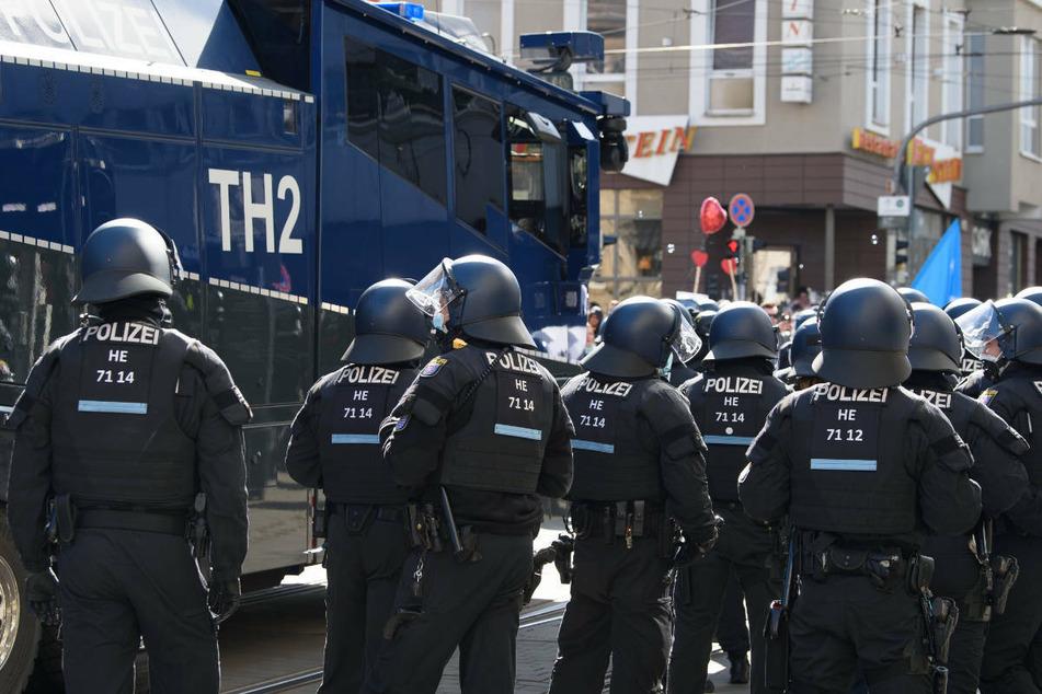 Großeinsatz der Polizei bei der Querdenker-Demonstration am vergangenen Samstag in Kassel.