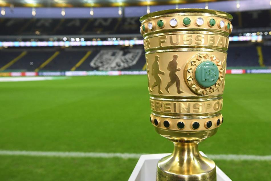 Das DFB-Pokal-Halbfinalspiel zwischen dem FC Bayern und Eintracht Frankfurt kann in der Münchner Allianz Arena stattfinden.