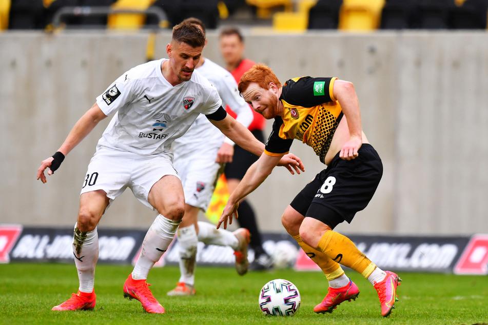 Stefan Kutschke (32, l.) blieb - wie hier beim 0:4 gegen Dynamo Dresden - auch gegen den SV Meppen torlos.