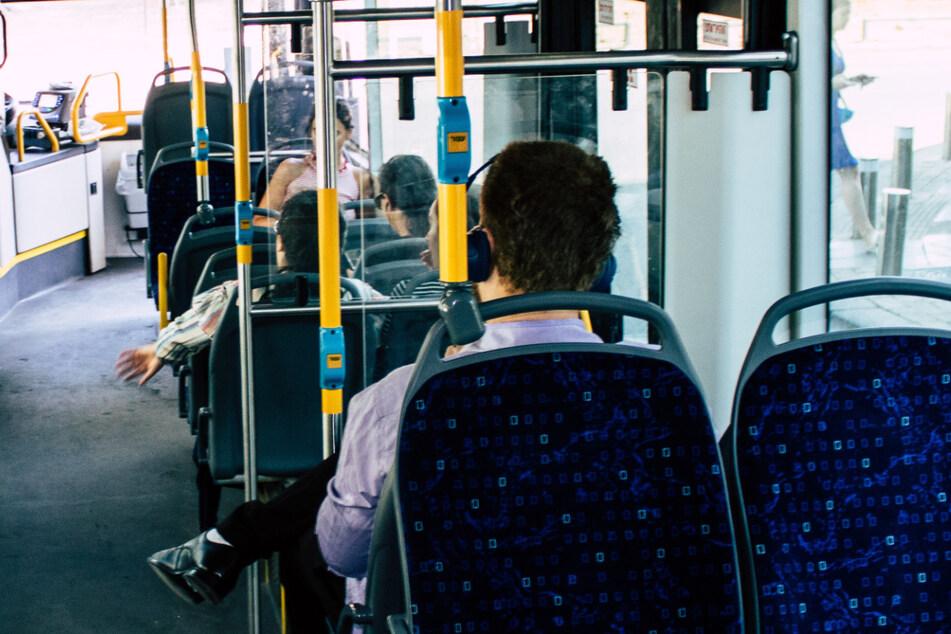 Weil er über Jesus sprach: Busfahrer gefeuert!