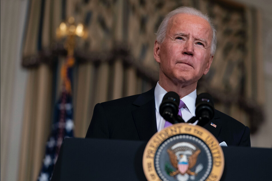 Biden orders Justice Dept. to stop renewing private prison contracts