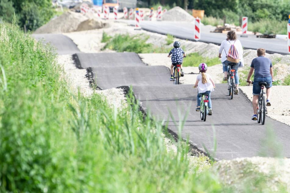 Fünf Hügel auf 500 Metern für 3,3 Millionen Euro: Ist das etwa der schrägste Radweg Deutschlands?