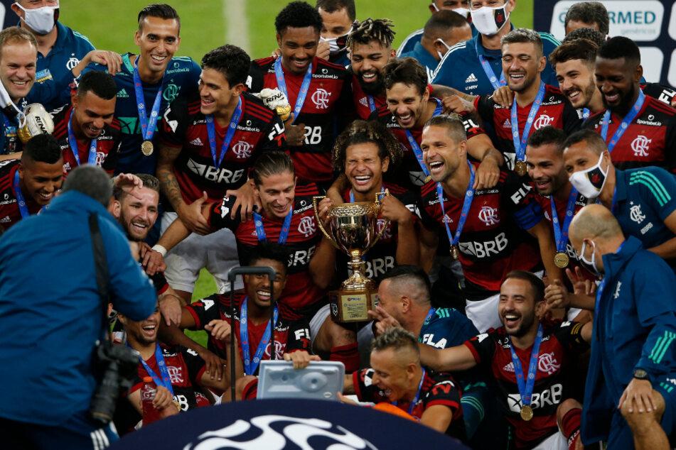 Rafinha für Bayern-Zeit verspottet: Für Meisterschaftsfoto lässt er sich Besonderes einfallen