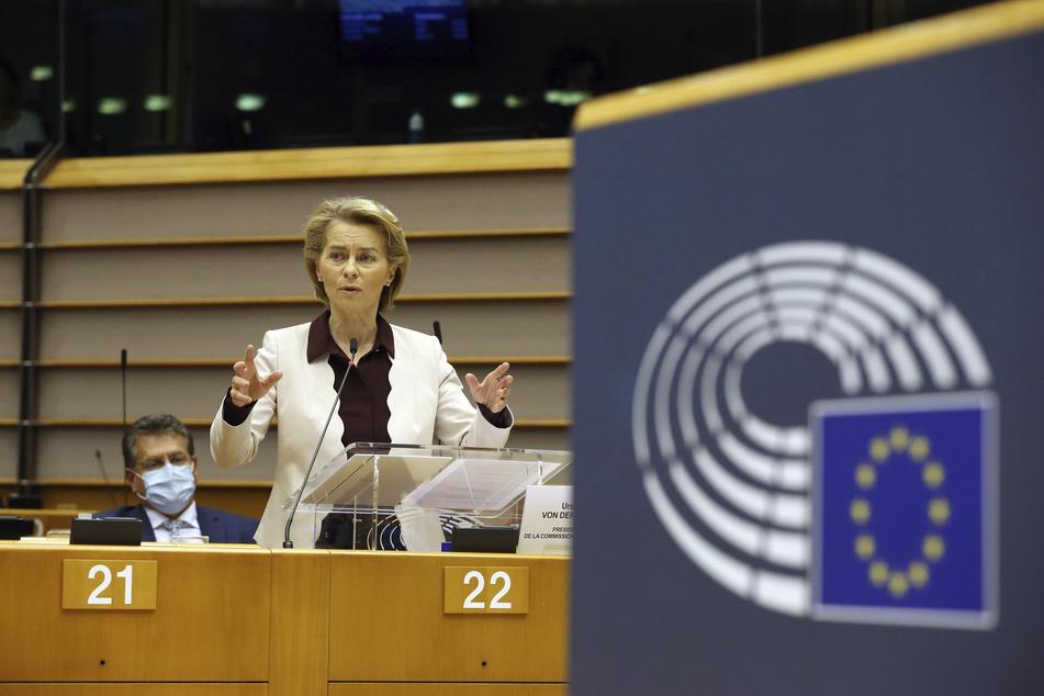Ursula von der Leyen, die Präsidentin der Europäischen Kommission, hält eine Rede im Europäischen Parlament. (Archivbild)