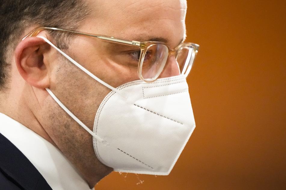 Die SPD im Bundestag hat bei ihrer Kritik an Gesundheitsminister Jens Spahn (41, CDU) nachgelegt.