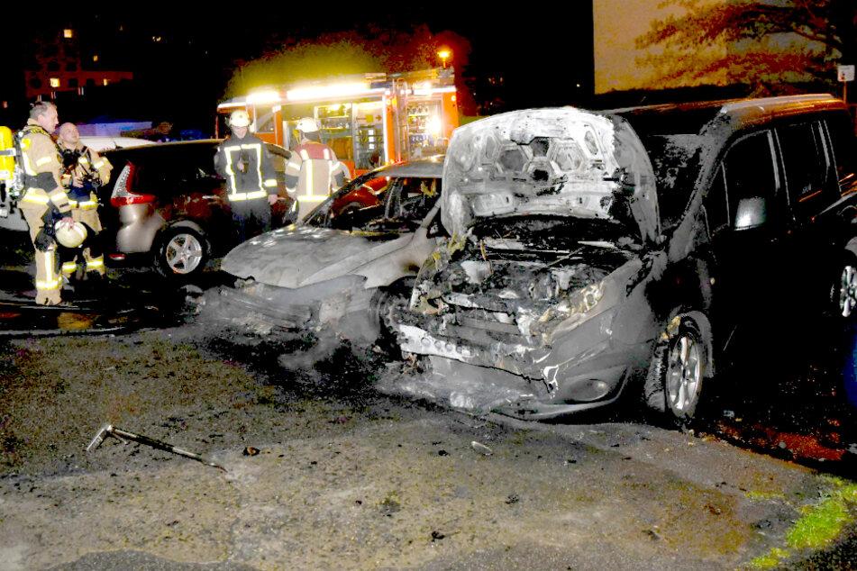 In Berlin-Lichtenberg wurden vergangene Nacht mehrere Autos abgefackelt.