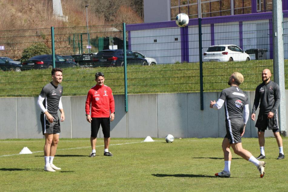 Seit Montag wird beim FC Erzgebirge Aue wieder trainiert.