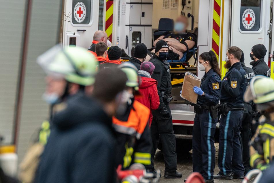 Mann schießt mit Pfeilen aus Wohnung: SEK-Zugriff beendet nach Stunden Großeinsatz