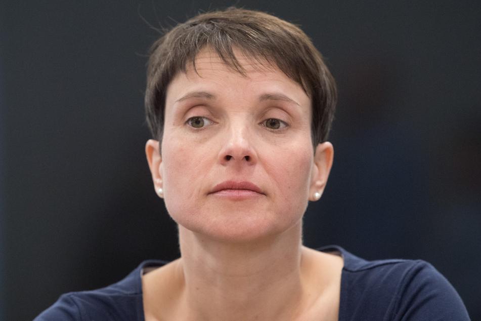 Ex-AfD-Chefin Frauke Petry (45) ließ sich beim Prozess nicht blicken, spart aber jetzt beim Kaufpreis.