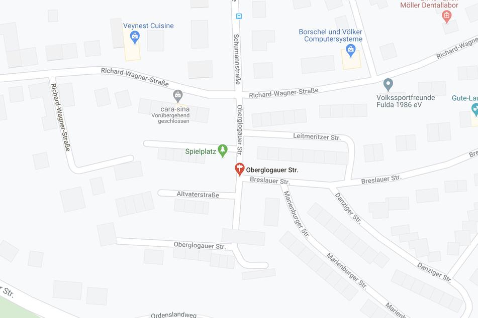 Der Vorfall ereignete sich auf einem Spielplatz in der Fuldaer Oberglogauer Straße.