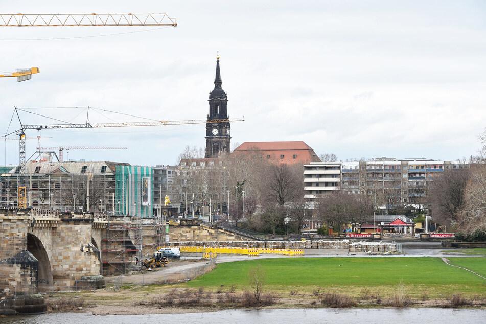 Das Grundstück an der Augustusbrücke wurde im Januar von Bauunternehmer Frank Wießner gekauft.