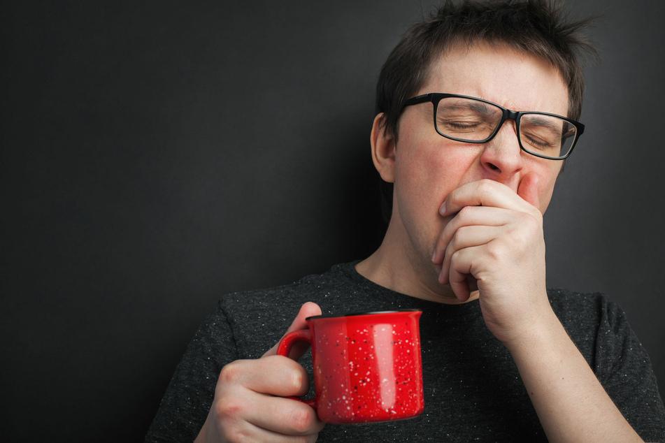 Viele Menschen kommen ohne Kaffee nicht über die morgendliche Müdigkeit hinweg.