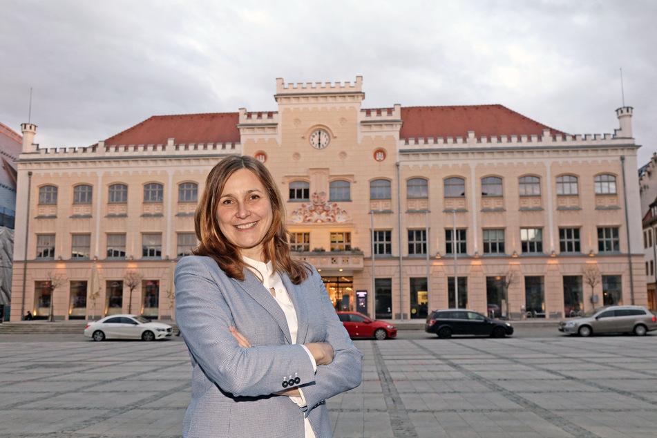 Sie ist dem Rathaus einen Schritt näher gekommen: OB-Kandidatin Constance Arndt (42, Bürger für Zwickau).