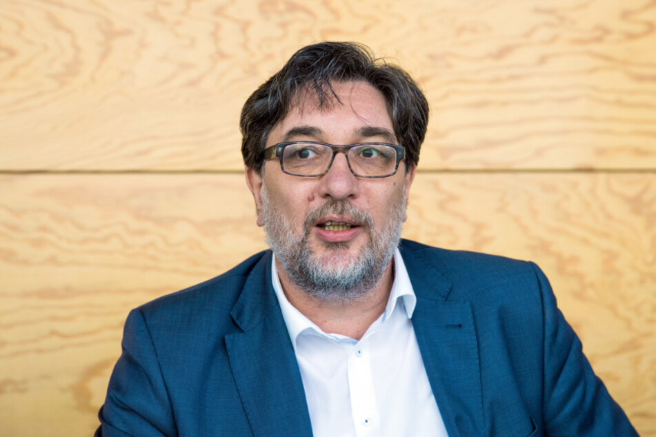 Stefan Hartmann (51).