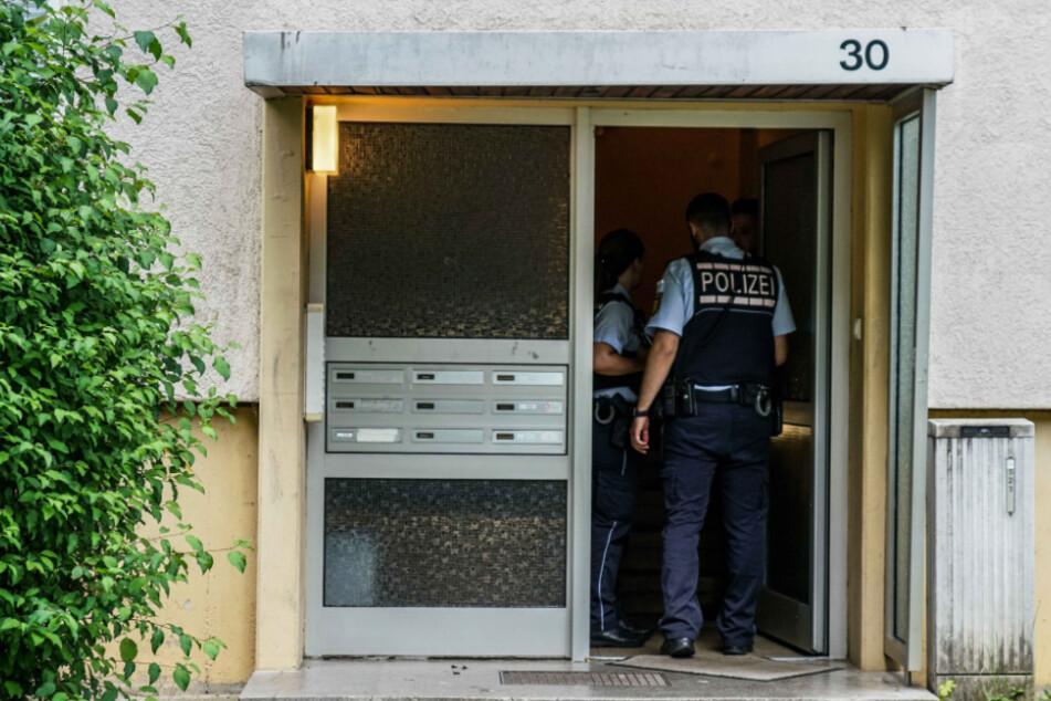 Die Polizei vor Ort im Esslinger Ortsteil Brühl.