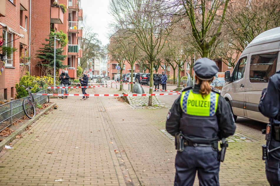 Die Polizei am Tatort auf St. Pauli.