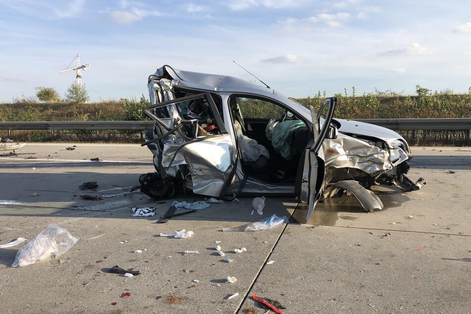 Bei einem Unfall auf der A4 bei Glauchau kam eine Frau ums Leben. Ein Transporter krachte auf einen Ford.