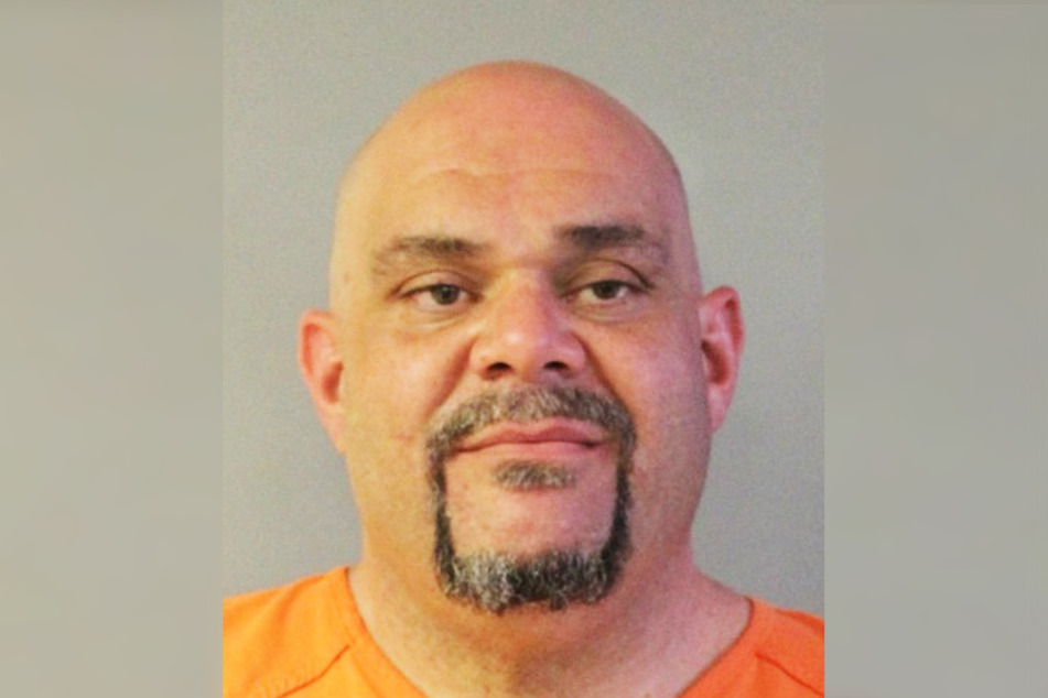 Thomas Lee Simmons (37) abused and stole from his victim by pretending to be a police officer.